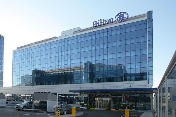 Hilton-hotellin laajennus Vantaalla