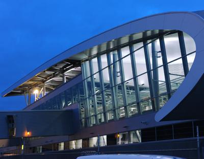 Helsinki-Vantaan lentoaseman ulkomaanterminaalin laajennus