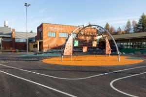 Tiernan koulu, Leinonpuisto