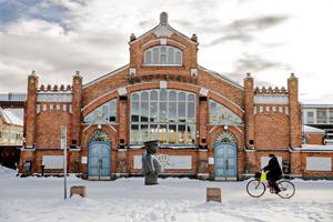 Kauppahallin korjaus Oulussa