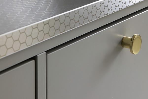 Uutuus! Uniikit StalaTex™ työtasot, tiskipöydät ja välitilalevyt